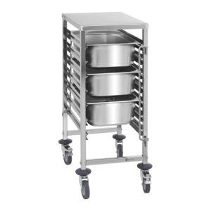 Regálový vozík - 7 GN zásuvů-1 Úložná kapacita: 7 GN nádob Pro GN 1/1, 1/2, 1/3, 2/3, 2/8 Maximální zatížení: 50 kg 2 vertikální pojistky nádob Ušlechtilá ocel odolná proti korozi