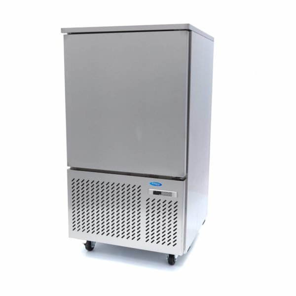 Šokový chladič - 10 x 1/1 GN | model: Maxima 09400930 je výkonný profesionálny vysokotlakový chladič, ktorého kapacita je pre 10 x 1/1 GN alebo 40 x 60 cm.