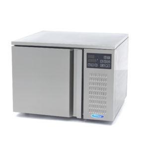 Šokový chladič - 3 x 2/3 GN | model: Maxima 09400923 je výkonný profesionální vysokotlaký chladič, které celková kapacita je 3 x 2/3 GN.